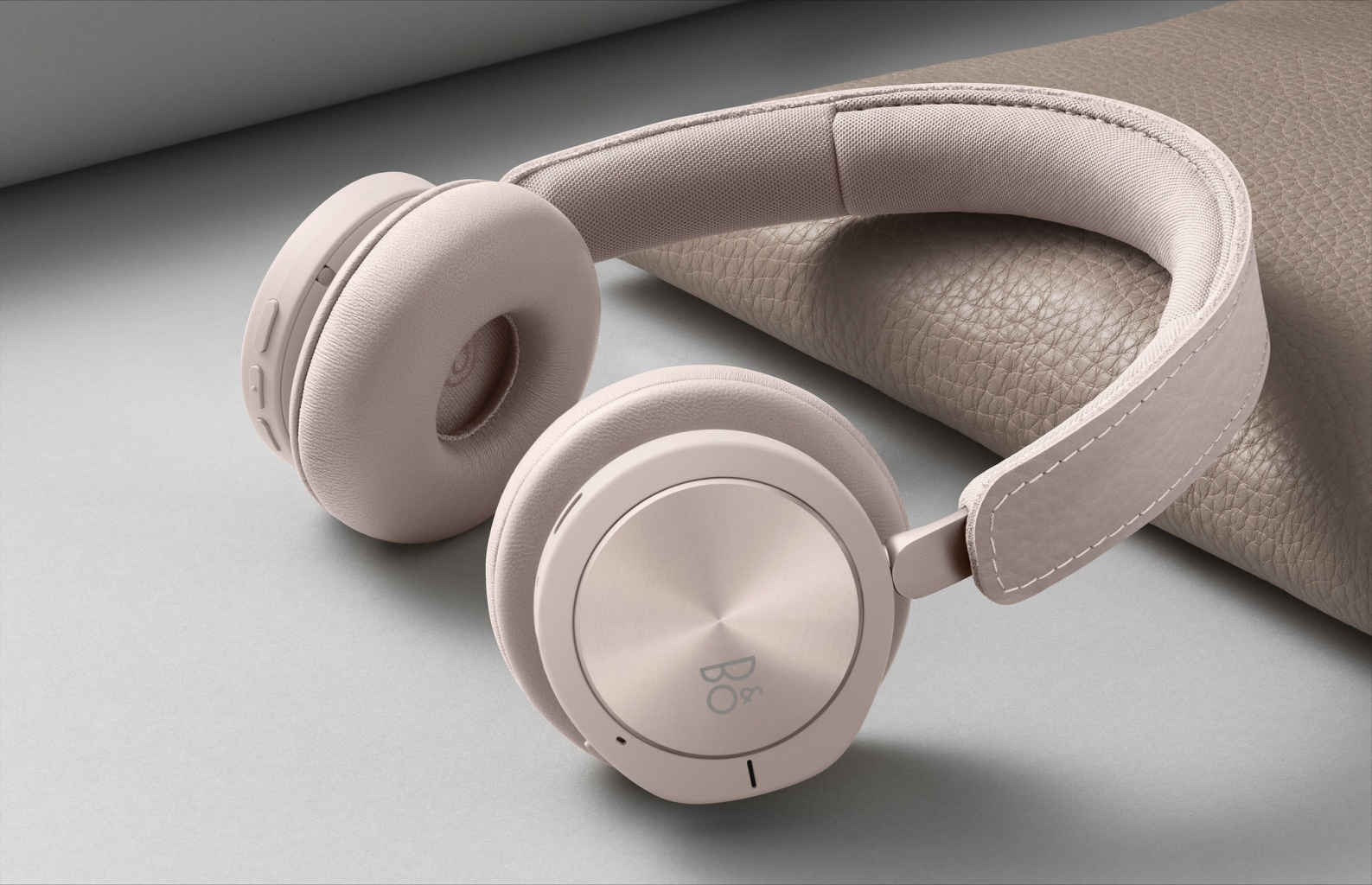 beoplay-h8i-pink-01.jpg