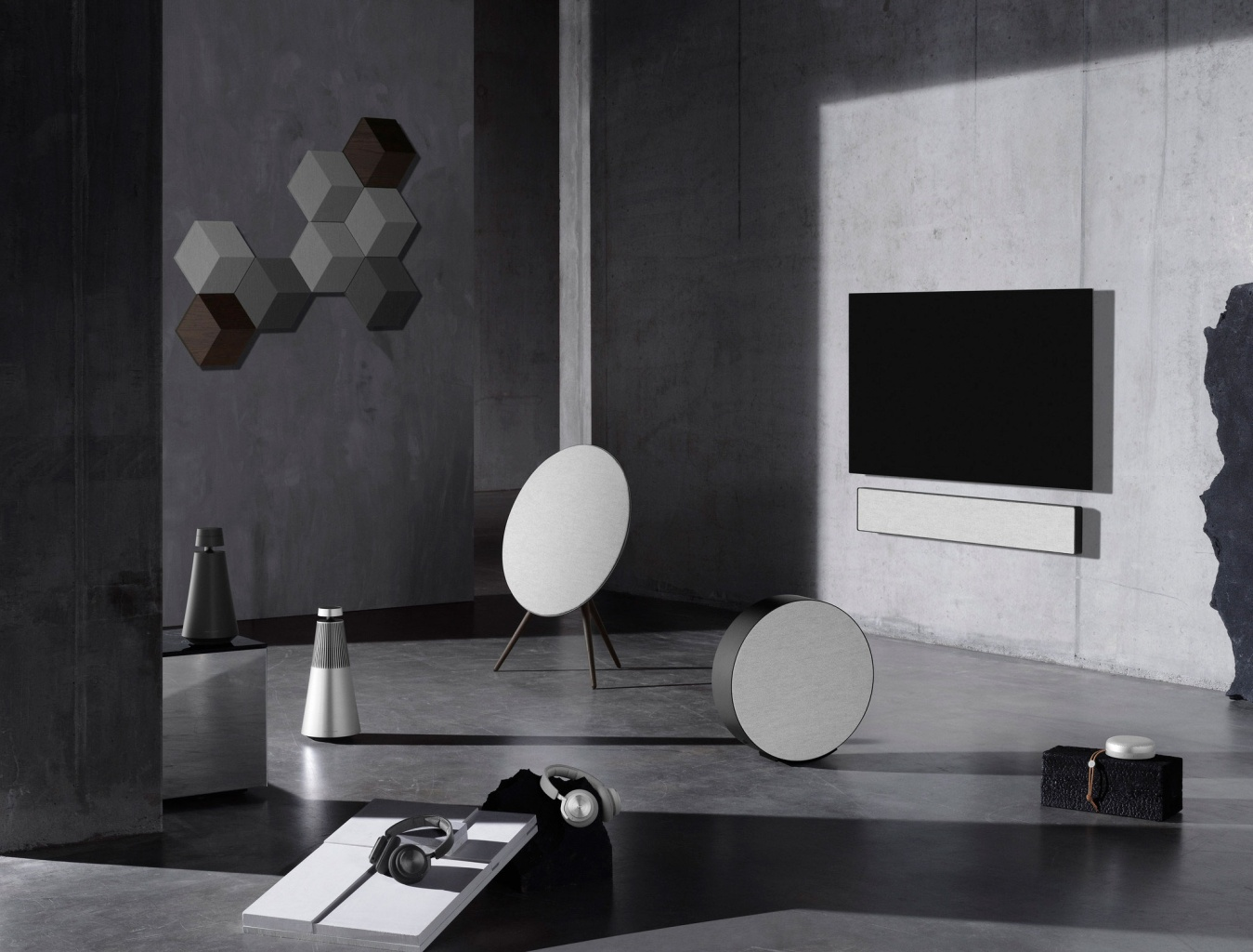 bang-and-olufsen-contrast-collection-01.jpg