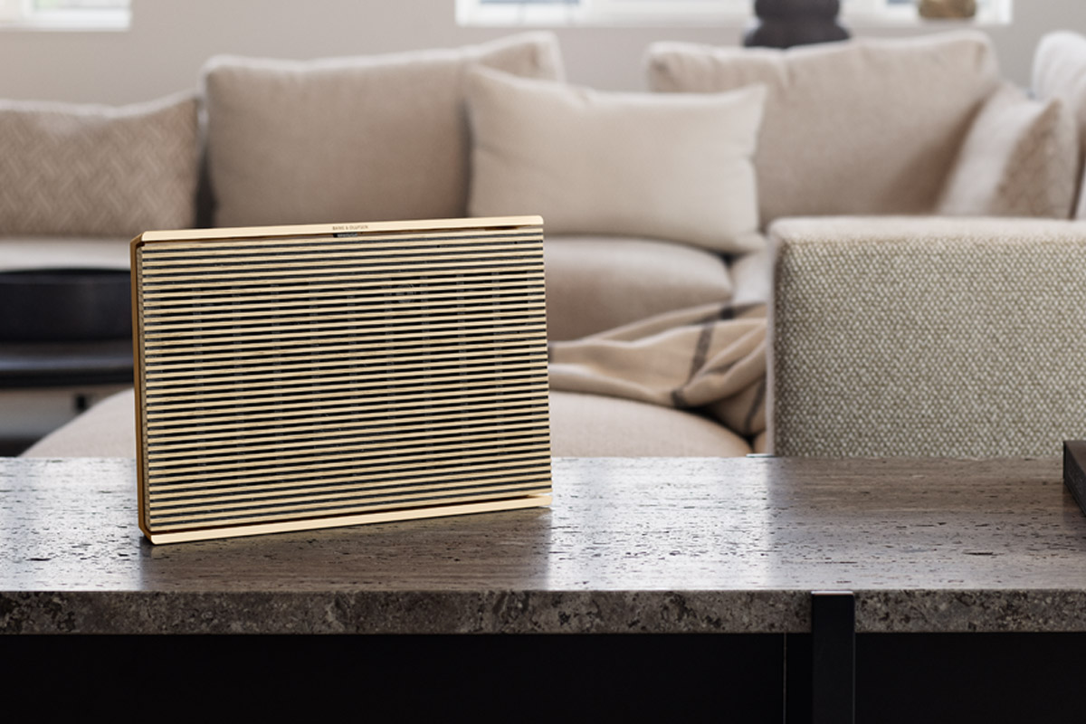 bang-olufsen-beosound-level-01.jpg